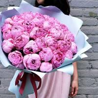 Букет 31 розовый крупный пион в упаковке R475