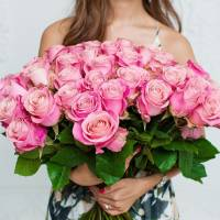 Букет 51 розовая роза с лентами R143