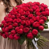 Букет пионовидных роз, красные R110